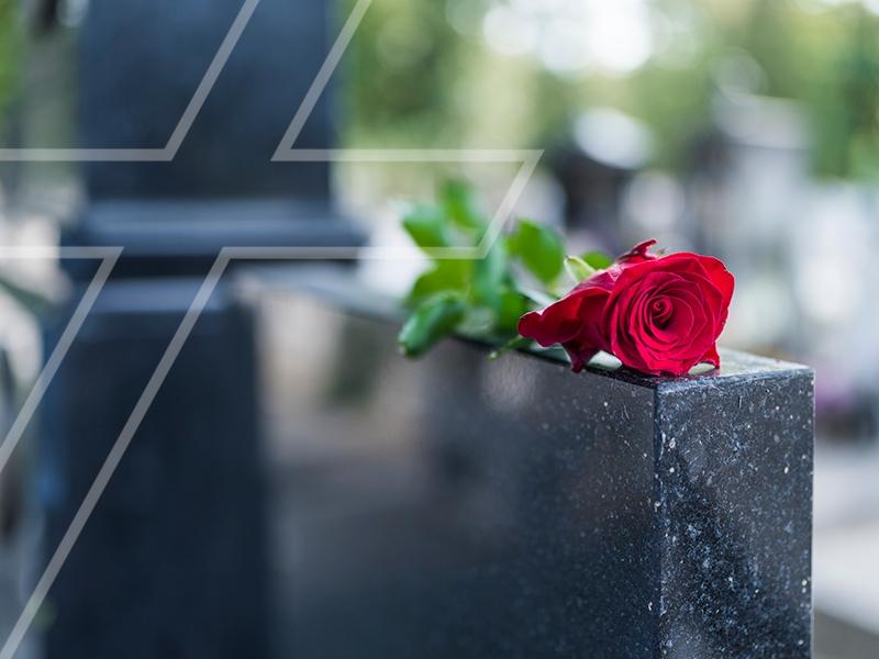 Como prestar homenagem póstuma a um ente querido